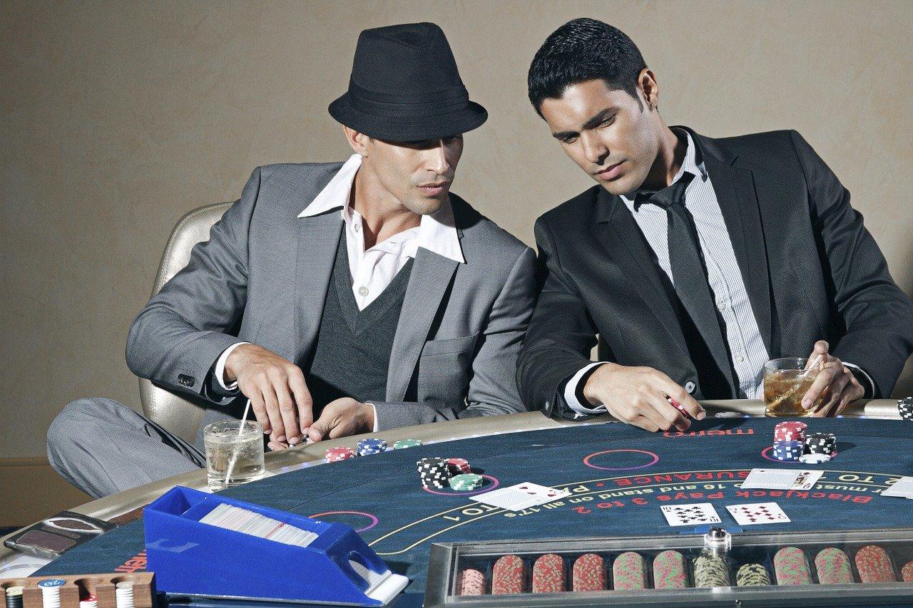 ギャンブル依存症に陥る闇深い心理と改善の糸口について~やめたいのにやめられない方へ~
